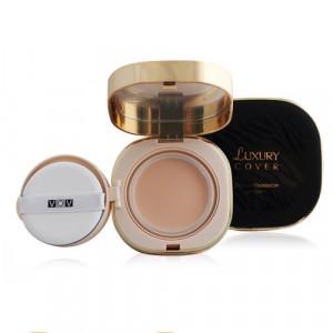 Компактный тональный крем с коллагеном Luxury Cover Essence Foundation VOV